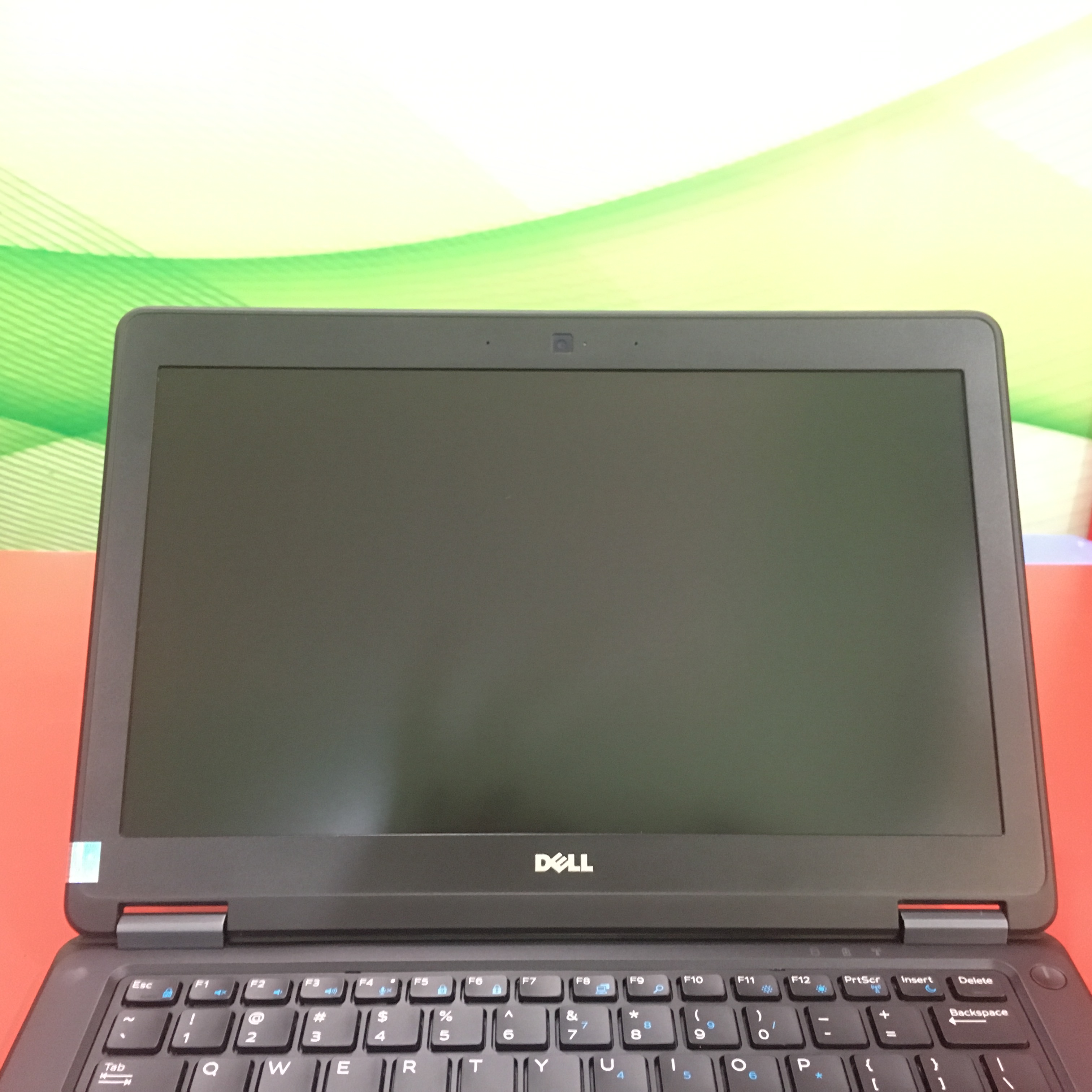 Dell Latitude E7250, Core i7 5600u, Ram 4 GB, SSD 256 GB, 12.5 FULL HD